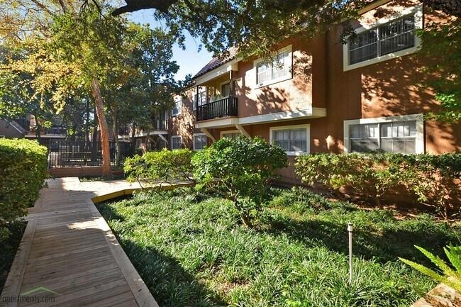 Trafalgar Apartment Homes Apartments Houston Tx