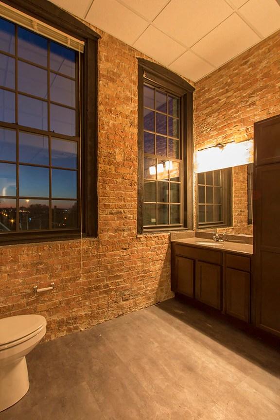 Shoe Factory Lofts Apartments Milwaukee Wi Apartments Com