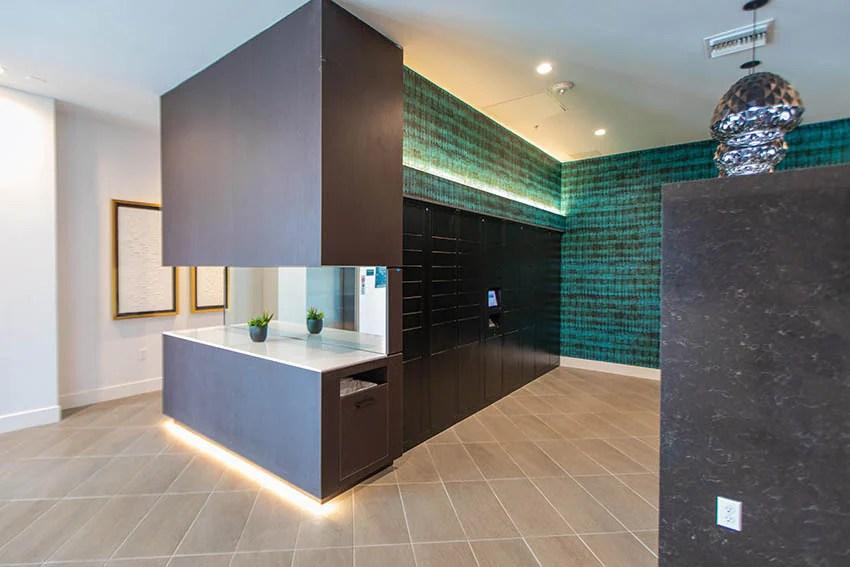 mira apartments in canoga park ca