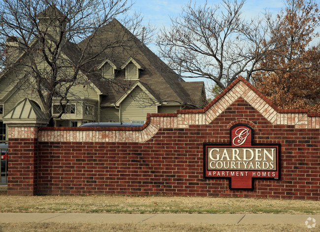 Building Photo Garden Courtyards