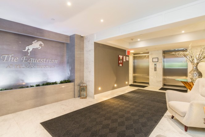 Lobby The Equestrian At Pelham Parkway