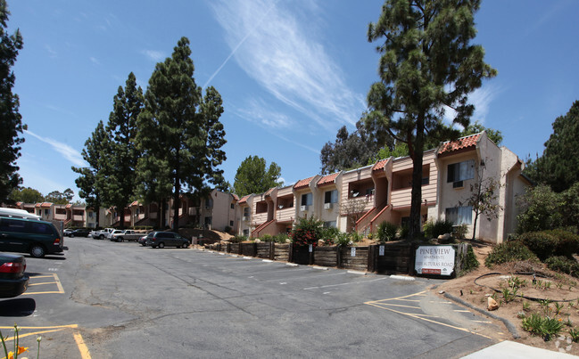 Home California Fallbrook Pine View Apartments Primary Photo