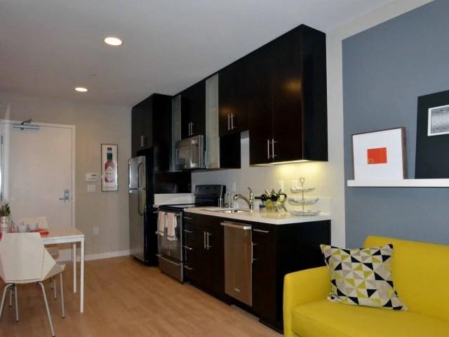 27 Luxe Broadwaystudios Apartments Santa Monica Ca