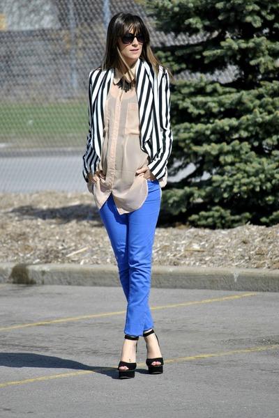 Blue-buffalo-david-bitton-jeans-neutral-sheer-oversize-american-apparel-blouse_400