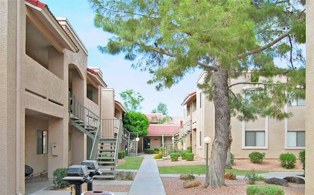 Exterior Papago Vista Apartments