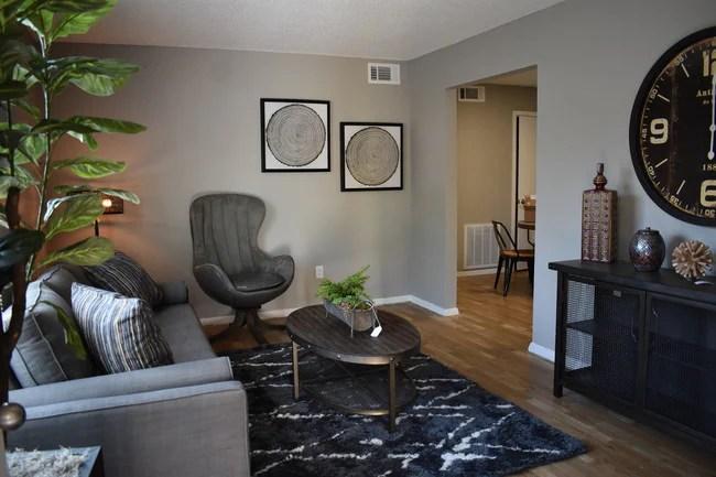 Photo Cedar Run Apartments