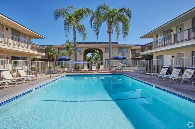 Balboa Apartments For In Anaheim