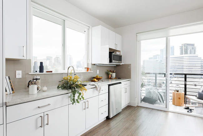 Common Summit Apartments For In
