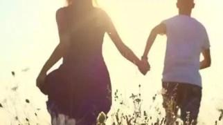 17-year-old boy runs away with 30-year-old divorced woman trying to  compromise - 30 साल की तलाकशुदा महिला के साथ भागा 17 साल का लड़का, समझौते  की हो रही कोशिश