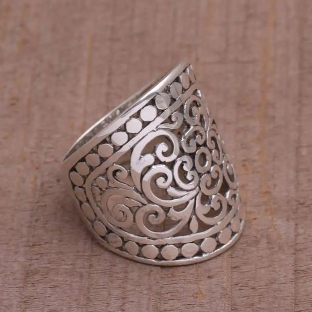 SILVER JEWELRY - How to Clean Sterling Silver Jewelry