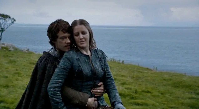 Theon-fondles-his-sister