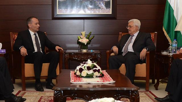 Mladenov meets with Abbas in Ramallah (File photo: AFP)