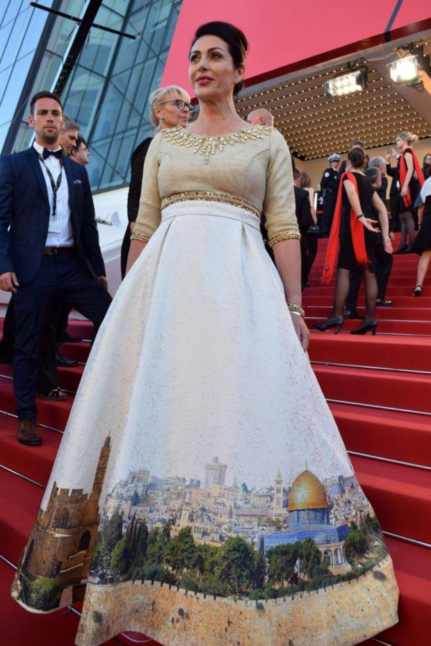 Иерусалимское платье Мири Регев. Фото: Эли Сабати