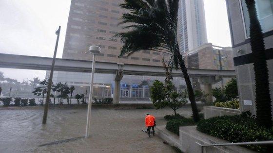 Hurricane Irma hits Miami (Photo: EPA)