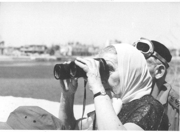 Голда Меир осматривает позиции ЦАХАЛа на Суэцком канале. Фото: Шломо Лави
