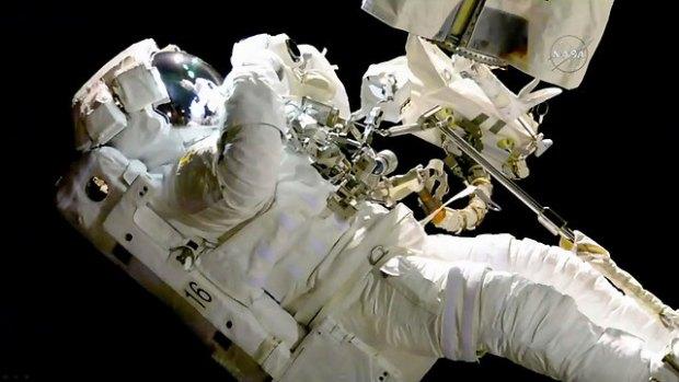 Брезник в открытом космосе. Фото: АР
