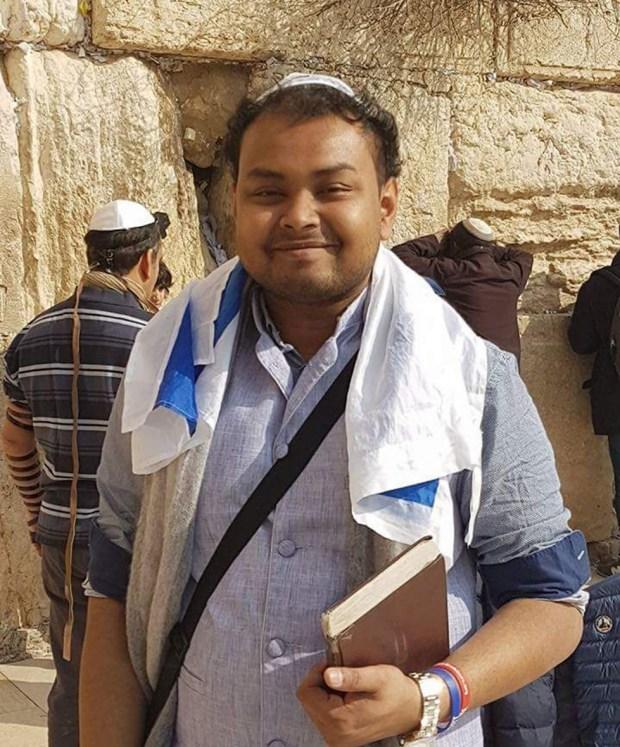 Доктор Шадман Заман у Стены плача в Иерусалиме