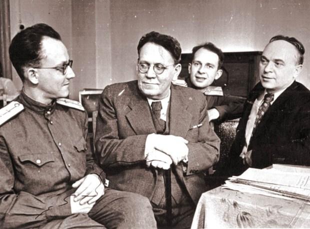 Иммануэль Маршак с отцом Самуилом