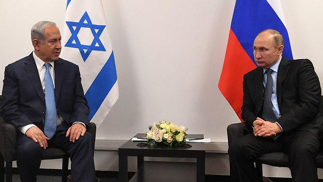 Netanyahu (L) and Putin. A quiet promise to avoid violating Syria's sovereignty?  (Photo: Kobi Gideon/GPO)