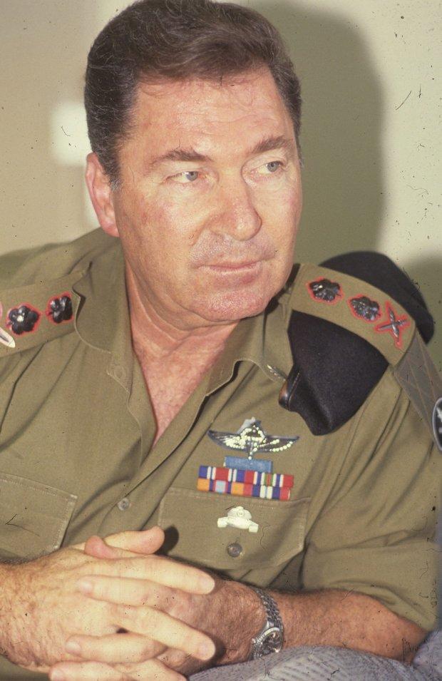 Дан Шомрон в бытность начальника генштаба ЦАХАЛа, снимок 1989 года. Фото: Шауль Голан