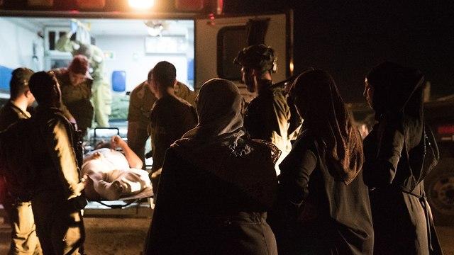 Une opération complexe pour le transfert de blessés syriens en Israël Traitement d'un pays attaquant en Syrie