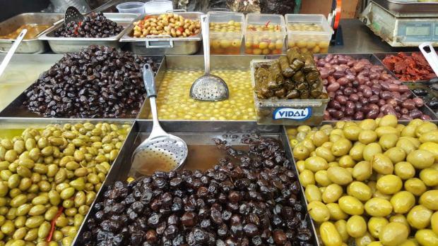 Осень в Израиле - сезон сбора оливок. Посмотрите на обилие сортов!