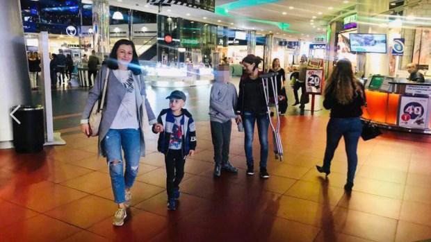 "Ванечка с мамой и другими детьми на сеансе в ""КиноРае"""