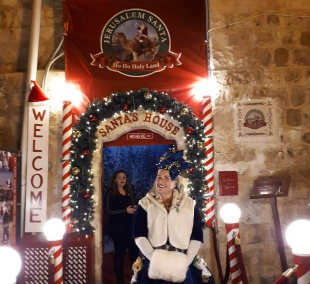 Санта дарит всем прекрасное настроение. Фото: Юлия Хович