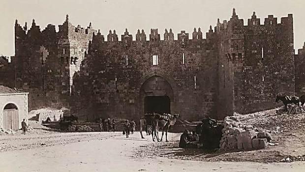 Шхемские ворота. 1900 год. Фото: Бруно Хенштель. Из коллекции Национальной библиотеки (Photo: Bruno Hentschel/ National Library)