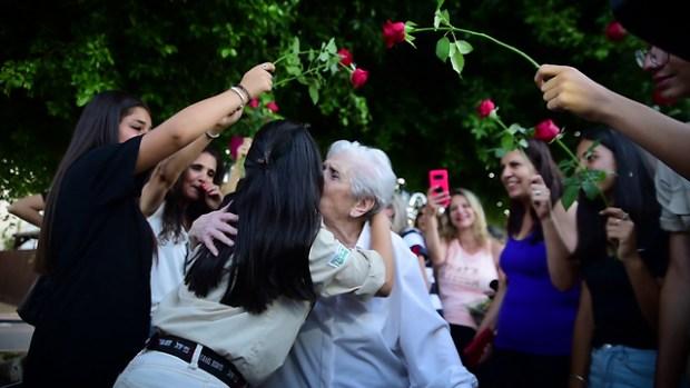Юлия принимает поздравления
