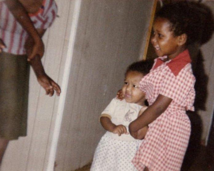 פנינה תמנו שטה בגיל שלוש ()