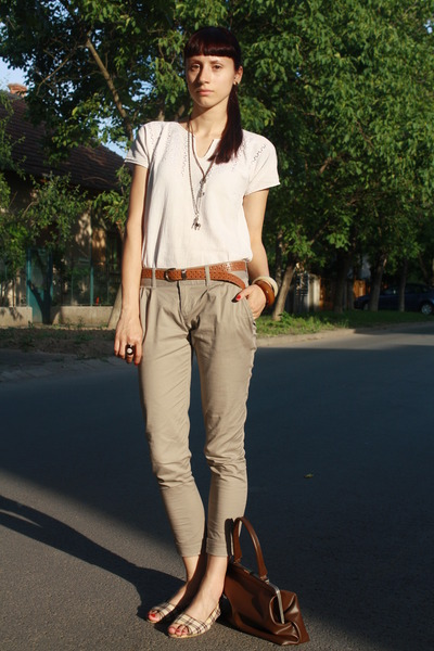 White-vintage-blouse-beige-stradivarius-pants-white-random-shoes-brown-thr_400