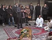 Don Nur durante la cerimonia funebre