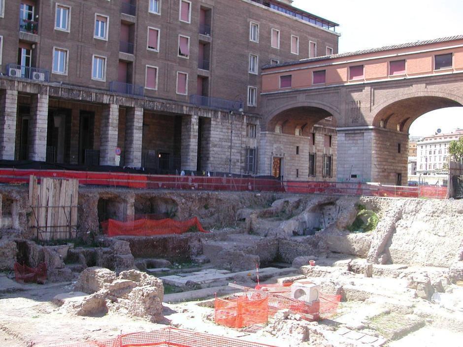 Tra le tante opere che gli italiani non possono visitare,  ecco i mosaici e l'affresco di Colle Oppio e il Mausoleo di Augusto