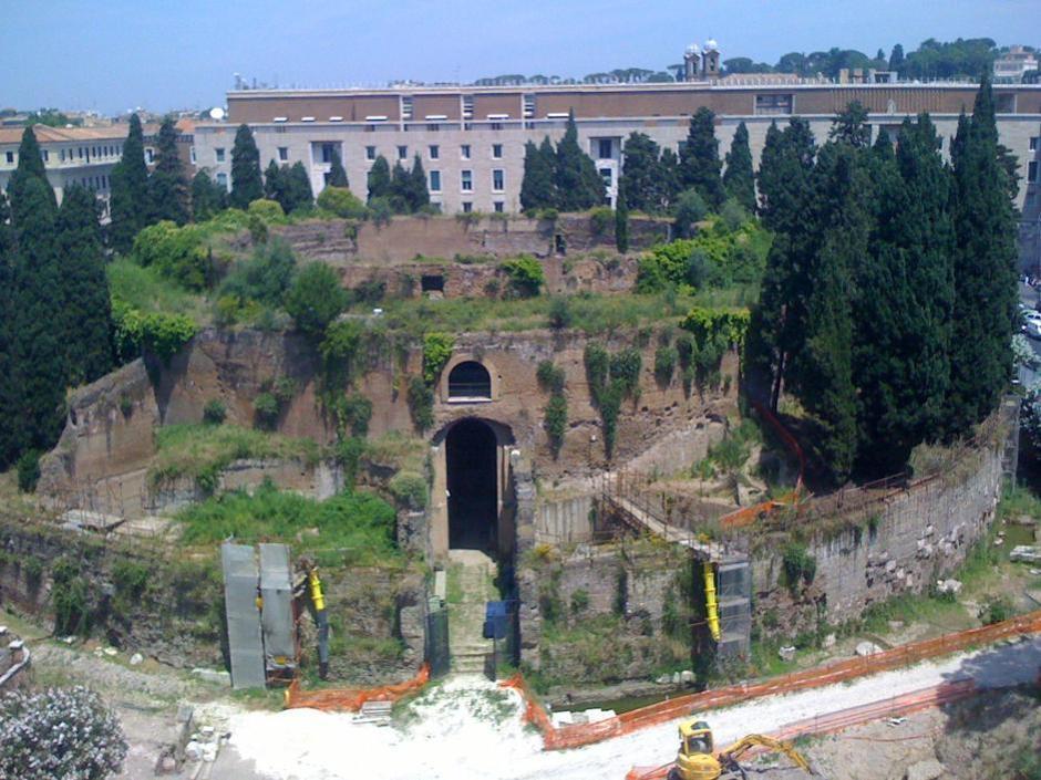 Altri interventi serviranno a consolidare le parti meno salde della struttura, a pianta circolare, per mettere l'intera area in sicurezza, valorizzando questo monumento risalente al I secolo a.C.