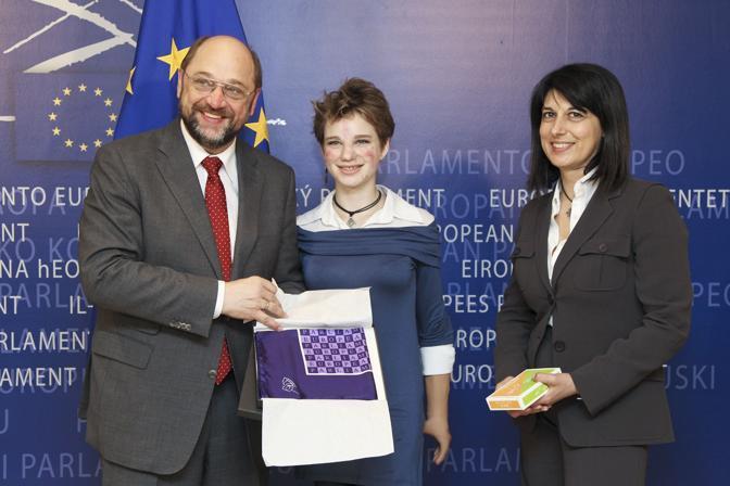 L' incontro tra il Presidente del Parlamento europeo Martin Schulz, Bebe e il Vicepresidente del Parlamento europeo Roberta Angelilli