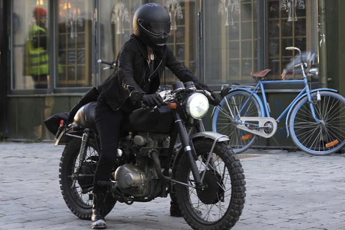 Image result for ragazza de la moto
