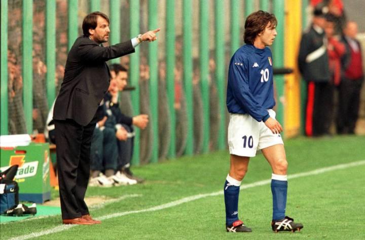 Andrea Pirlo nel 2000 vinse l'Europeo Under 21 da capocannoniere e miglior giocatore della competizione | numerosette.eu