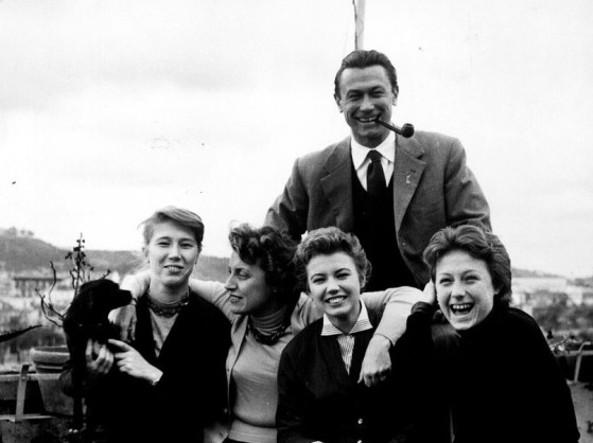 Topazia Alliata con il marito Fosco Maraini e le figlie (Foto d'archivio)
