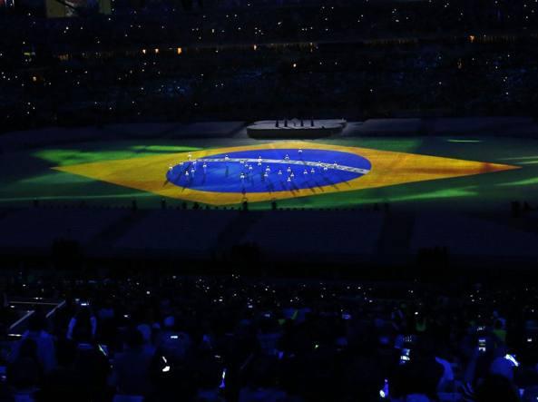 La cerimonia di chiusura delle Olimpiadi di Rio allo stadio Maracanã (Epa/Reynolds)