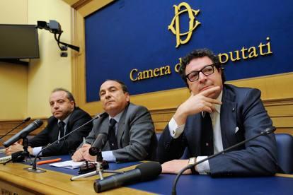 Scilipoti, da consigliere comunale in Sicilia alla Nato
