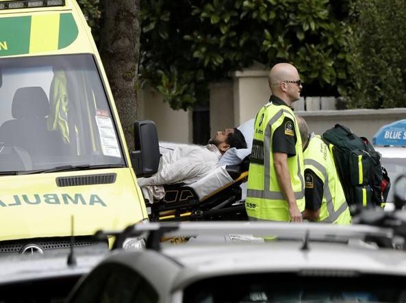 Nuova Zelanda, attentato contro due moschee  in diretta web: 49 morti e 50  feriti. I 17 minuti di terrore