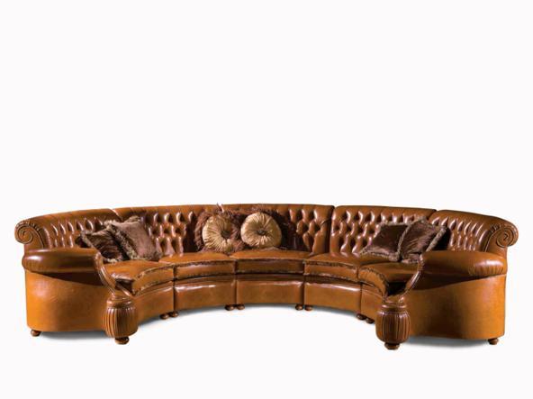 Il divano Bellotti (come quelli nella sala night).