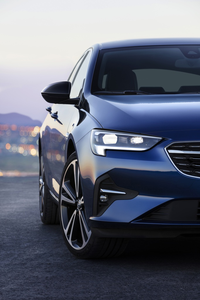 The IntelliLux headlights on the Opel Insignia