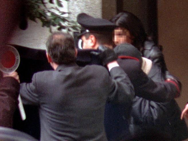 Figli, studi, nuovi nomi: cosa fanno ora le ragazze che nel 2000 uccisero la suora in Valchiavenna