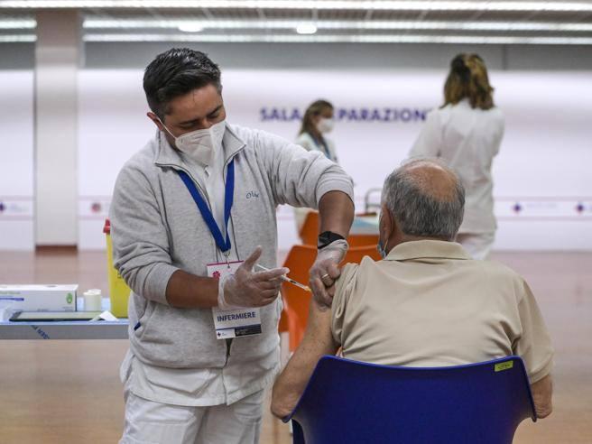 Cosa sappiamo sull?efficacia della terza dose di vaccino (in base ai dati di Israele)