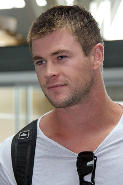 Chris @ Vancouver International Airport - chris-hemsworth photo