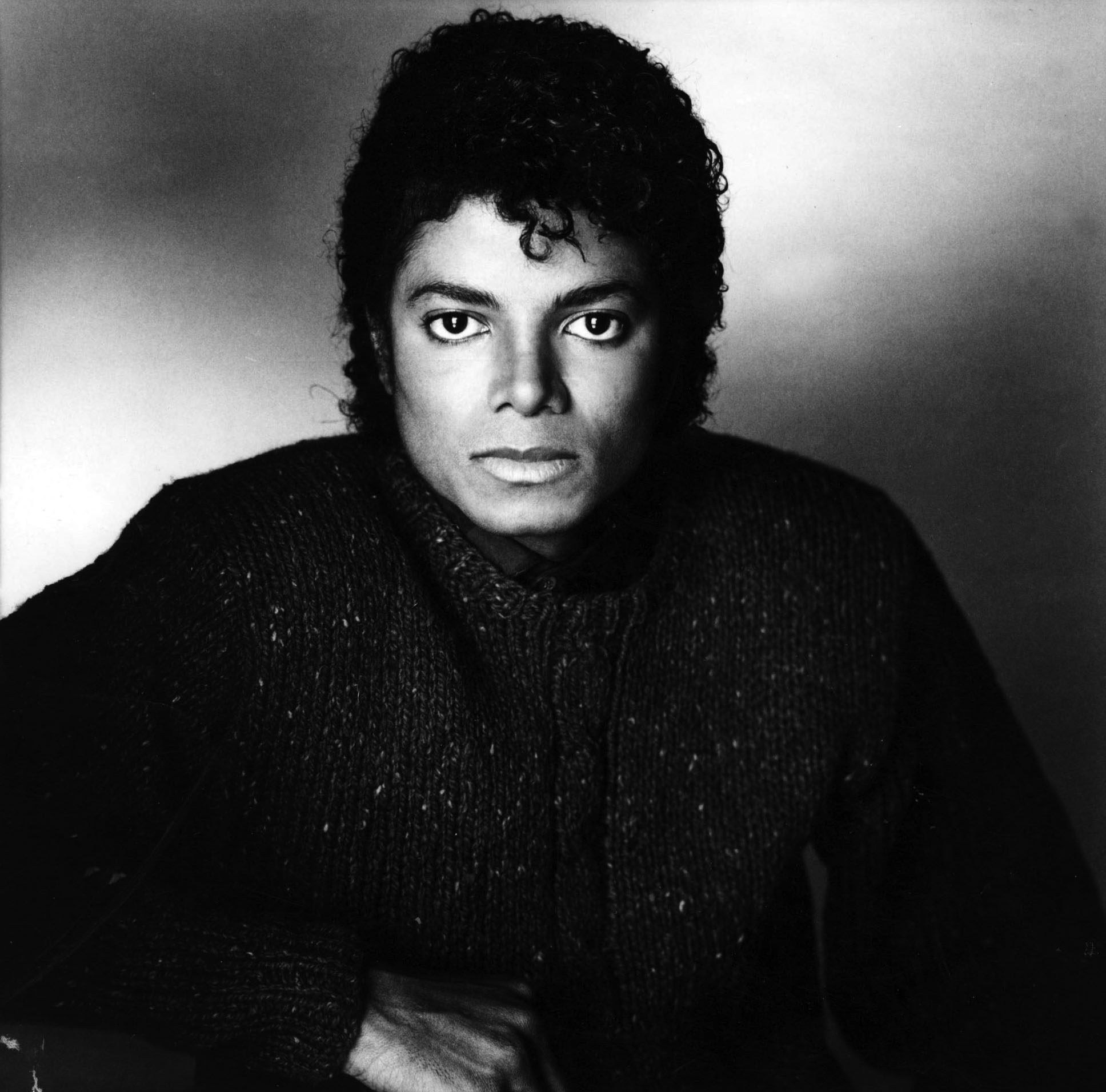 https://i2.wp.com/images2.fanpop.com/image/photos/10900000/Michael-Jackson-michael-jackson-10989836-1936-1912.jpg
