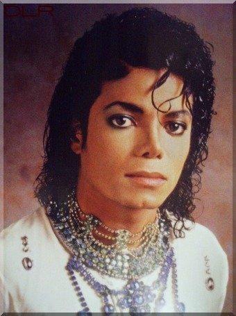 https://i2.wp.com/images2.fanpop.com/image/photos/9000000/So-beautiful-Michael-3-rare-michael-jackson-9026823-340-455.jpg