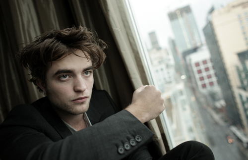 https://i2.wp.com/images2.fanpop.com/images/photos/2800000/Robert-Pattinson-twilight-series-2881743-500-323.jpg
